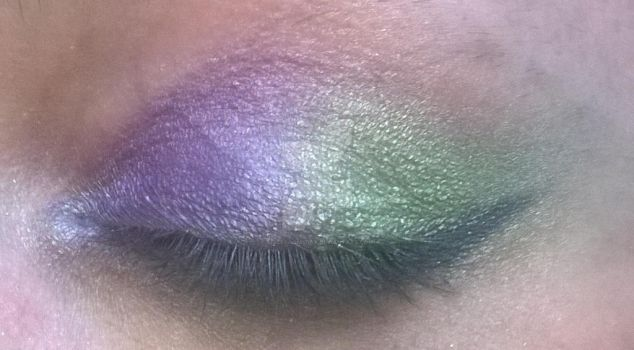 MLP Themed Eye Shadow Experiment: Spike by alicedoomsday