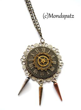 Steampunk spiked pendant by Hyo-pon