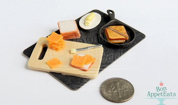 1:12 Grilled Cheese Prep Board by Bon-AppetEats