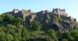 Edinburgh Castle from north by bobswin