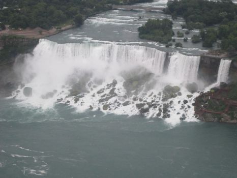 Well, that's America's very own Niagara Falls by AudeS