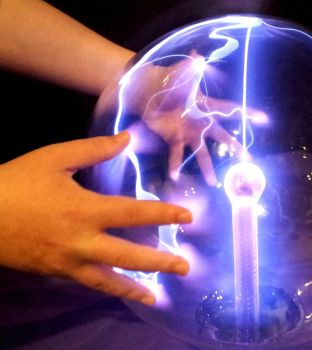 Tesla Coil by MarinoOfFive