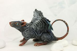 Ash-haired winged rat by hontor