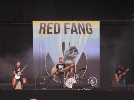 Red Fang at rw by MysteriousMaemi