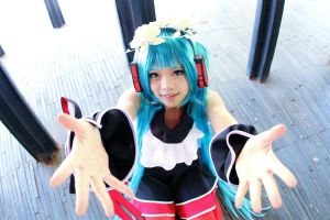 Two Breaths Walking Hatsune Miku Cosplay:Hugs!?^_^ by SpicaRy