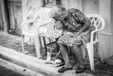 Old woman and cat by emregurten