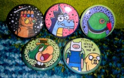 Comic and Cartoon button pins by TheRandomGirlXD