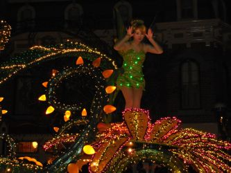 Main Street Electrical Parade: Tinkerbell by FlowerPhantom
