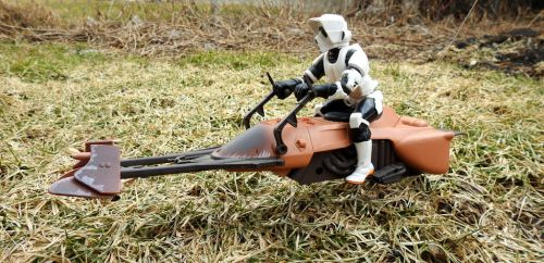 Speeder Bike on the Fields by kilroyart