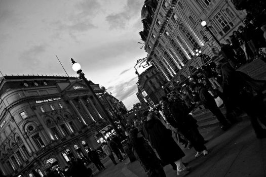 Piccadilly Circus by Alex-E