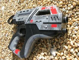 MASS EFFECT M6 CARNIFEX PISTOL by faustus70