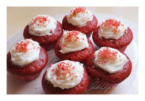 Mini Valentine Red Velvet Cupcakes by ScarletWarmth
