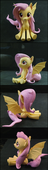 Flutterbat 'puppy eyes' by Laservega