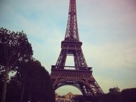 Eiffel Tower, Paris by sataikasia