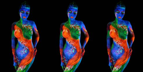 Judit in the Black Light - a FreeView 3D by HoremWeb