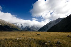 Mt Cook and it's Clouds by F0XIES