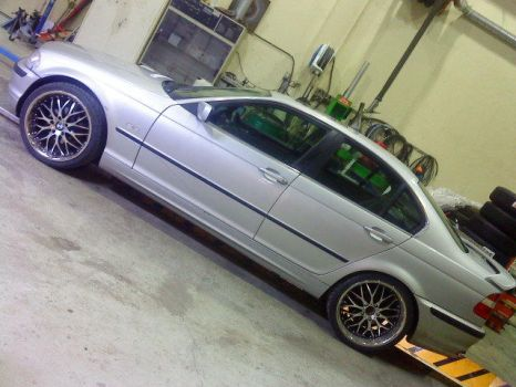 My beemer with new rims by BMWlover88