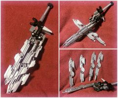Toa Tuyet's Serrated Broadsword (MOC) by Llortor