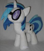 Vinyl Scratch with shades by calusariAC