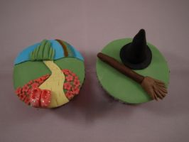 The Wizard of Oz Cupcakes by sparks1992