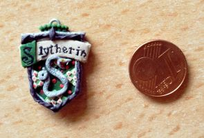 Slytherin Crest by EerieStir