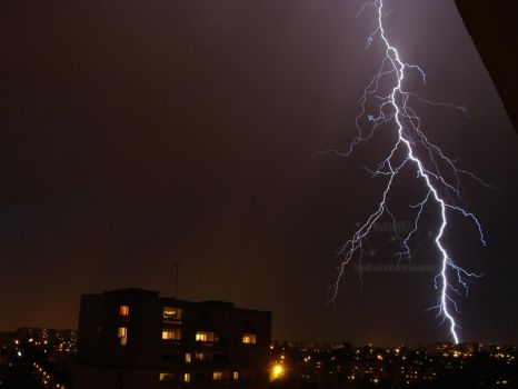 2011.05.20 Lightning II by kasj0
