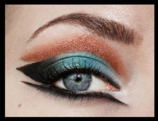 Bronze and teal by aurelia87