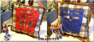 Transformers pillow by Guard-of-Minasteris