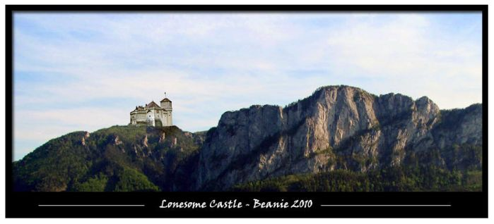 Lonesome Castle by Beanie77