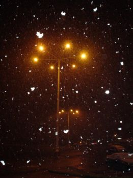 Victoria: Snowing At Night by dewolfe001