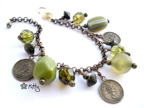 _Antique II charmbracelet by kitica