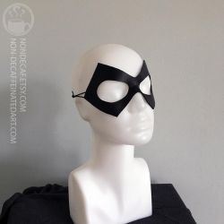 Diamond Domino - Cosplay Leather Mask by nondecaf