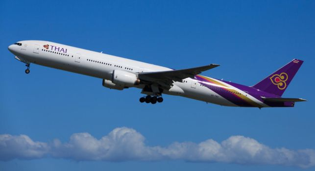 Thai Airways 777-3D7 by thetooth