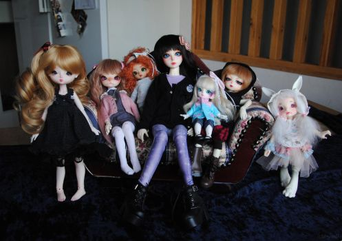 Doll family by Lo-chan07