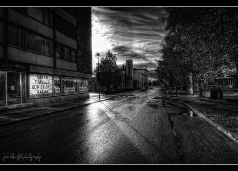 Rainy evening on my street II by wchild