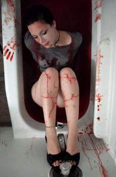 Blood Bath II by iNsAiNlYbIpOlErr