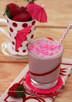 Strawberry Cake Batter Milkshake by theresahelmer