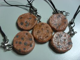 Chocolate Chip Cookie Charm by utenafangirl