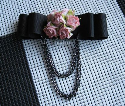 Rose Chain Hairbow by tehalycat