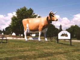 The big cow, Manitowoc by AndrewT