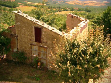Italian Roofless House by tommythegame