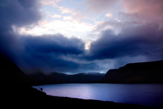 Loch Muick 19 by waterst