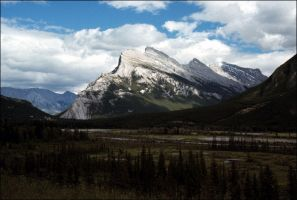 MOUNT RUNDLE, BANFF, CANADA by THOM-B-FOTO