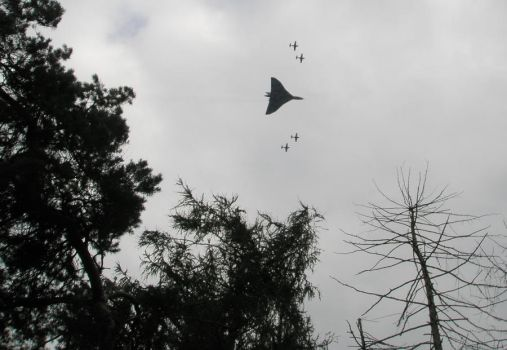 A Vulcan flypast by let-time-stand-still