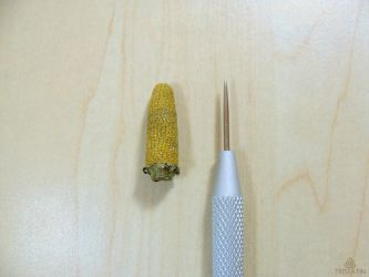 1:12 miniature corn from polymer clay by Tristatin