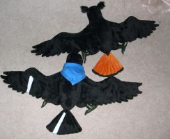 Pair of corvid plushes by Bladespark