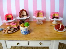 Miniature Summer Cakes by AlliesMinis