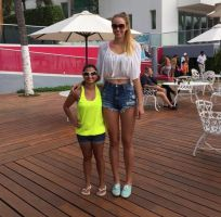 Maximum Height difference X-6ft5 vs 4ft9 by zaratustraelsabio