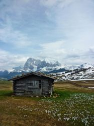 Nothing like the mountains by LarsMaresca