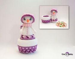 Winter the Christmas Pot by Crocsbetty